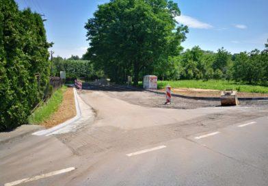 Nowy parking w Jadownikach na ukończeniu